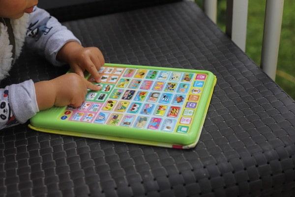 0歳児からバイリンガルに育てる方法